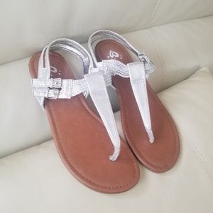 Justice brand sandals size 7